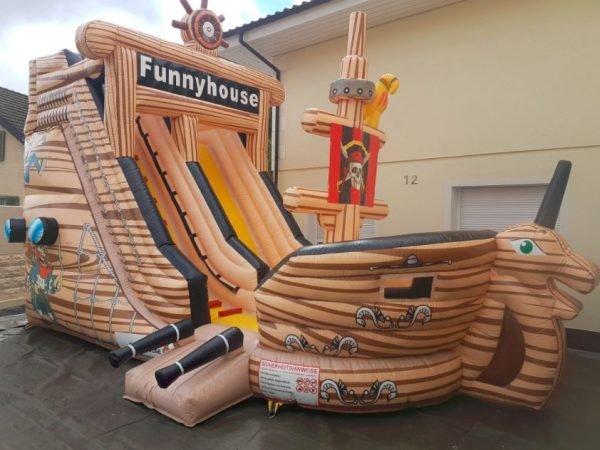 Hüpfburg_Piratenschiff_mieten