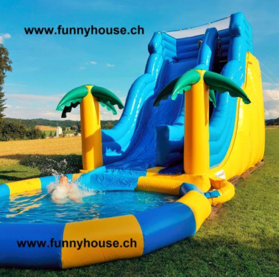 Wasserrutschbahn mit Pool